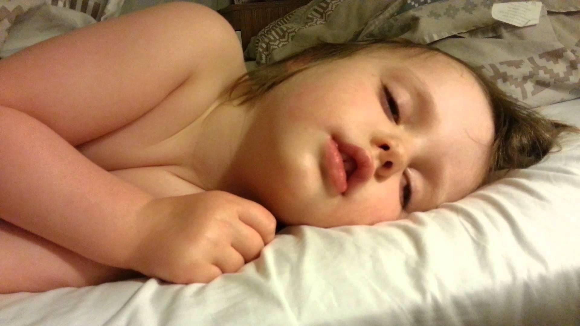 Фото писек спящих девушек, Голые спящие Фото голых девушек 3 фотография